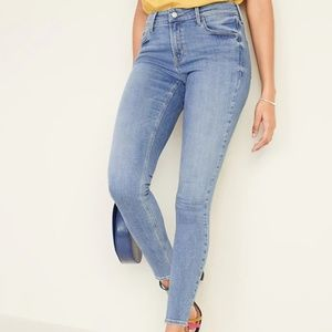 Mid-Rise Rockstar Super Skinny Jeans for Women NWT